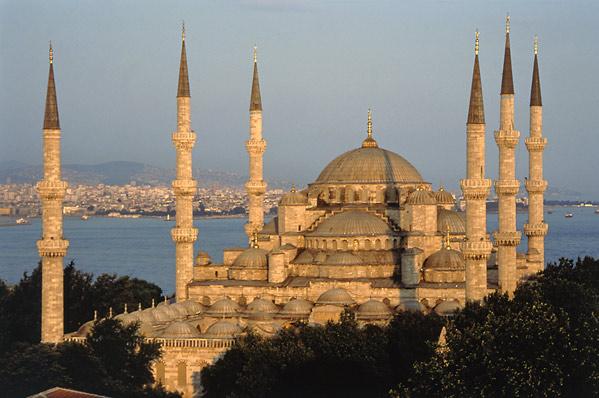 Istanbul, intre vechi si nou