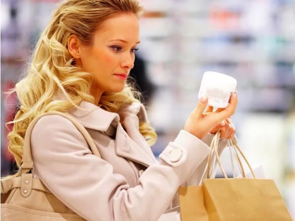 Cum ne afecteaza sanatatea produsele cosmetice