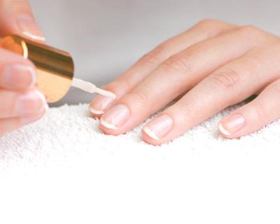 Sfaturi pentru albirea unghiilor