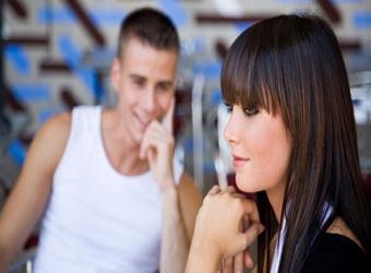 Limbajul trupului la femei, diferit de cel al barbatilor (I)