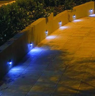 Infrumuseteaza-ti gradina cu lumini