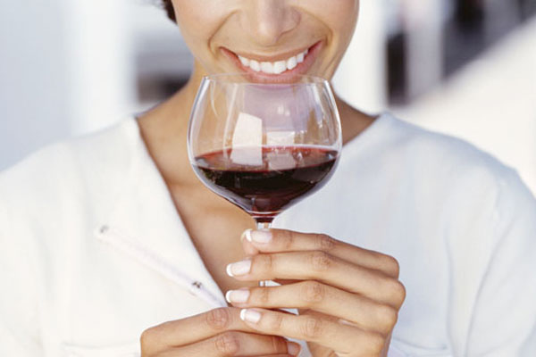 Vinul ne ajuta sa slabim