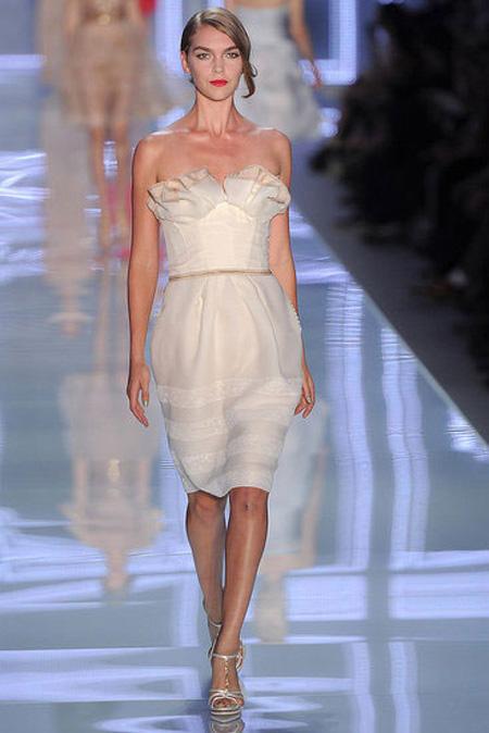 Ce sa nu pierzi in aceasta vara: rochita alba