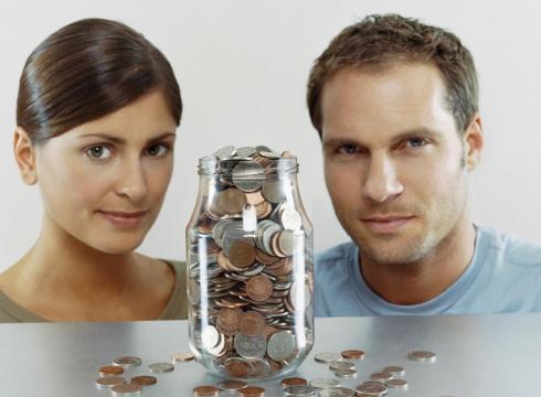 Banii si casnicia