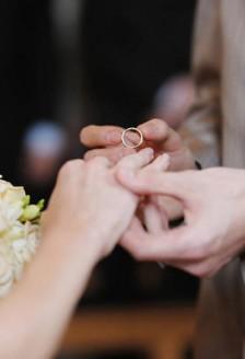 De ce unele persoane aleg sa nu se casatoreasca?