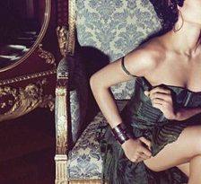 Freida Pinto pozeaza sexy pentru Flaunt Magazine