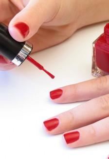 Ingrijirea si prevenirea ruperii unghiilor