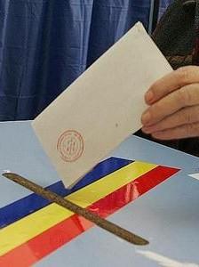 Mai putin de 75 de mii de romani si-au exprimat optiunea la referendum in strainatate