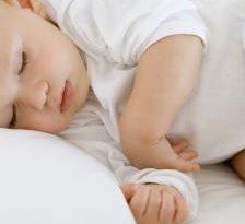 Nu lasa bebelusul sa doarma pe burtica!
