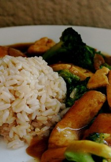 Tofu cu curry si broccoli